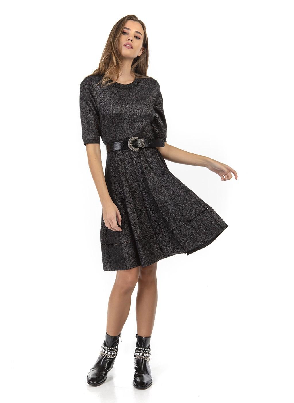 Φόρεμα πλεκτό σε γραμμή...